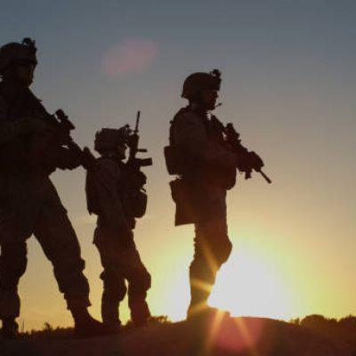 חיילים בשטח אש